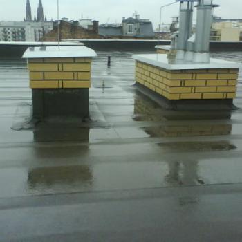 Hydroizolacja dwuwarstowa dachu w systemie tradycyjnym, obróbki blacharskie; 1050m2