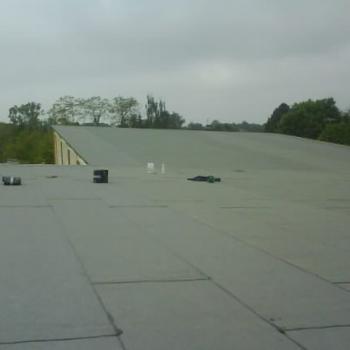 Montaż blachy trapezowej, izolacji termicznej oraz dwuwarstwowej hydroizolacji; 1200m2